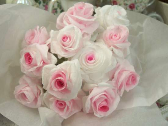 (A Dozen Paper Roses) Handmade Paper Rose Bouquet