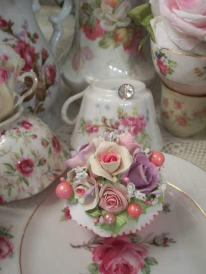 (Roberta) Fake Cupcake
