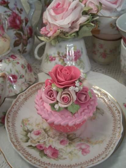 (Sarita Rose) Fake Cupcake