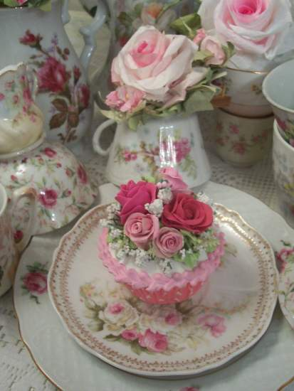(Gillian) Fake Cupcake