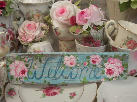 (*Welcome*) Handpainted Sign