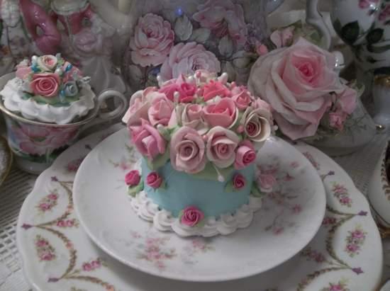 (Robins egg And Roses) Fake Cake