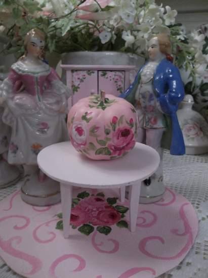 (Doll House Miniature Pink Pumpkin) Dollhouse Furniture
