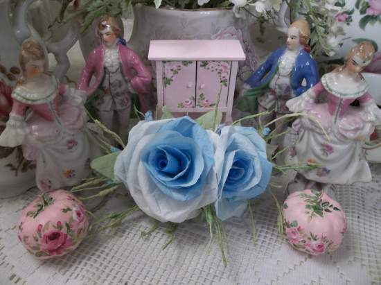 (Blue Eyes) Handmade Paper Rose Clip