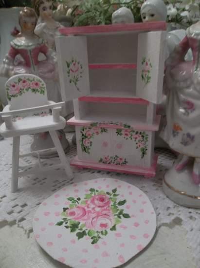 (Pink Polkadott Floor Cloth)  Dollhouse Furniture