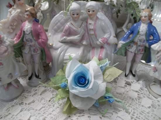 (Teenage Rosa) Handmade Paper Rose Clip