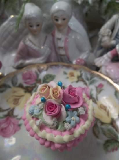 (Carnival Candy) Mini Marvel Cupcake