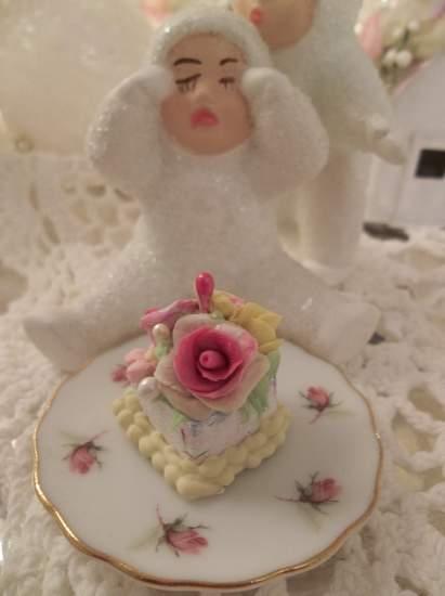 (Dolly Diva) Doll House Sized Fake Cake