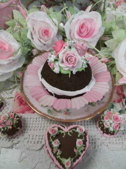 (Whoopie With Roses) Fake Chocolate Whoopie Pie