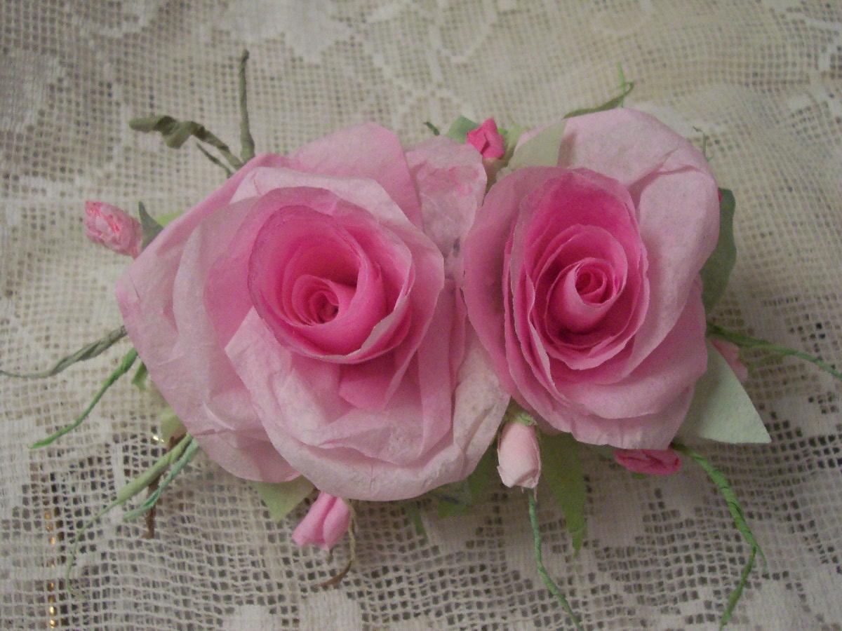 (Baby Cakes) Handmade Paper Rose Clip