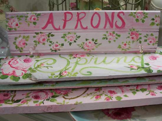 (Aprons) handpainted sign