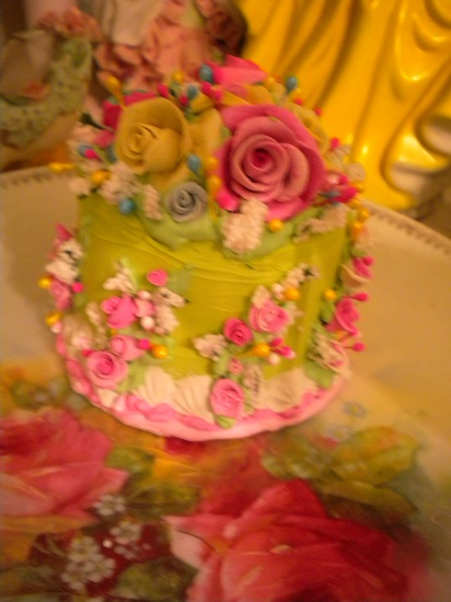 (Circus Party Queen Cake)Funky Junk Fake Cake