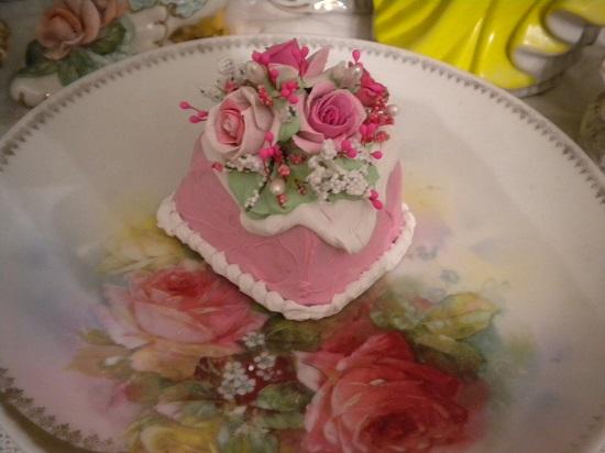 (Sheelia) Funky Junk Fake Cake