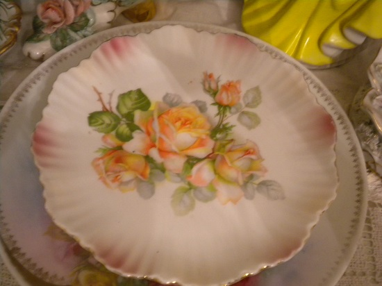 (Yellow Rose Plate) Plate