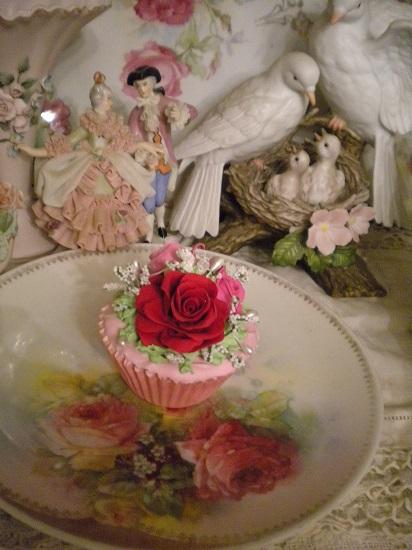 (Valerie) Fake Cupcake