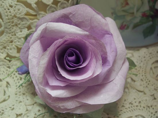 (9999) Victorian Paper Rose Clip Lamp Decor Chic n Shabby OOAK