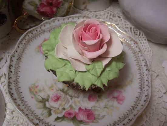 (Leopardicious) Fake Cupcake