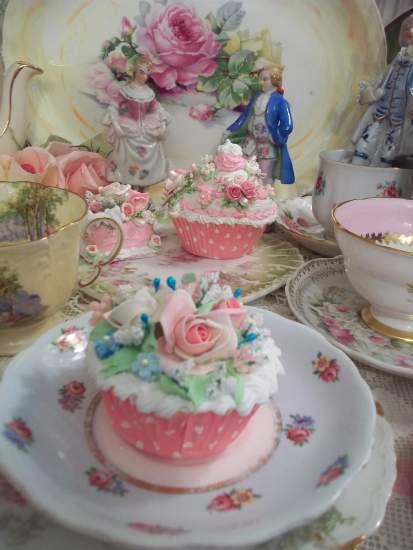 (ChandraRosa) Fake Cupcake