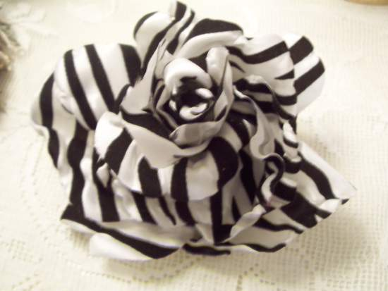 (ZebraZoe) Satin Rose