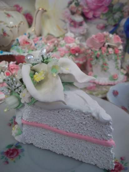 (RosetteWhite) Fake Cake Slice