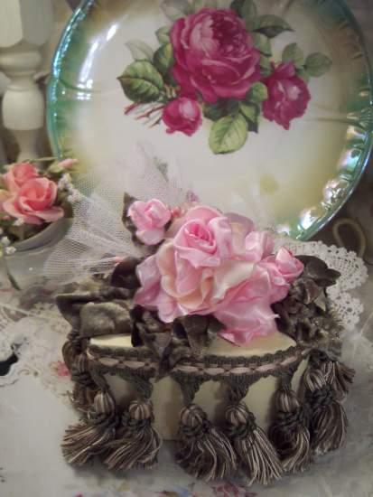 (Natalia) Old World Charm Valentine Box