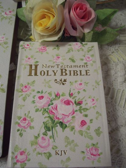 (RoseBouquet) Handpainted Pocket New Testament Bible
