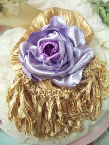 (LavenderJoy) Handmade Brooch Pin Victorian Vintage Looking Beauty
