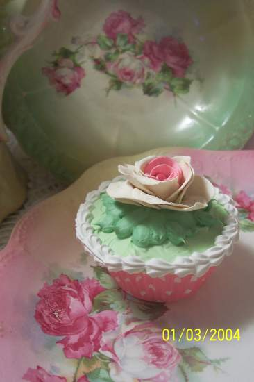 (RoseWhite) Fake Cupcake