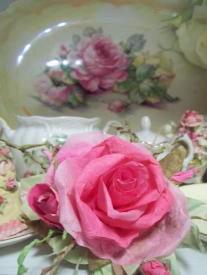 (Allie) Handmade Paper Rose Clip