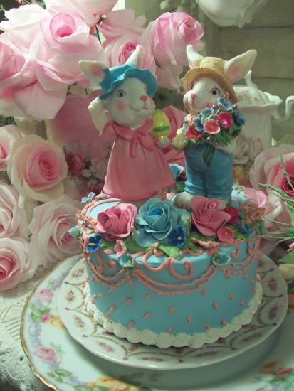 (Mr.&Mrs.E) Fake Easter Bunny Cake