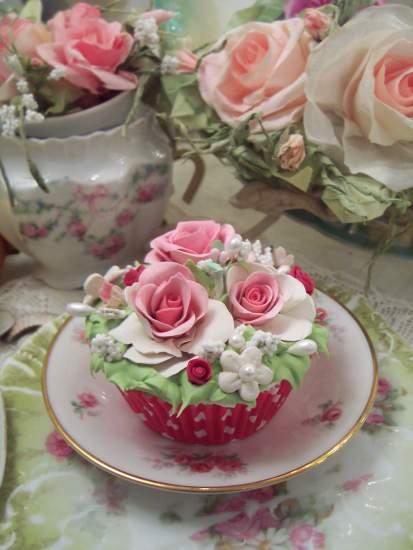 (Nicolette) Fake Cupcake