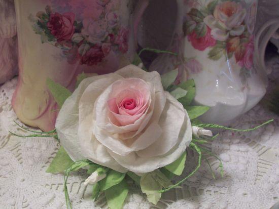(LucindaRose) Paper Rose Clip