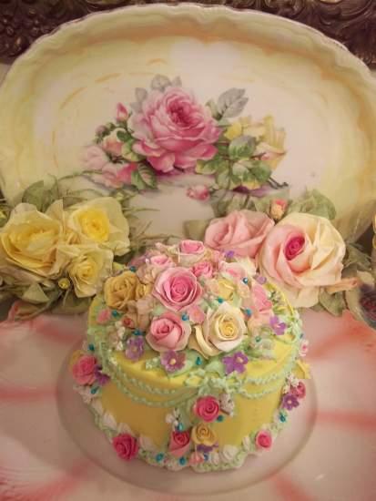 (MarieAntoinette) Fake Cake