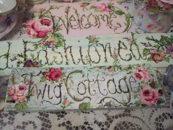 (TwigCottage) Handpainted Sign