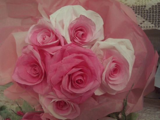 (6PaperRoses) Paper Rose Bouquet in Pink Tissue