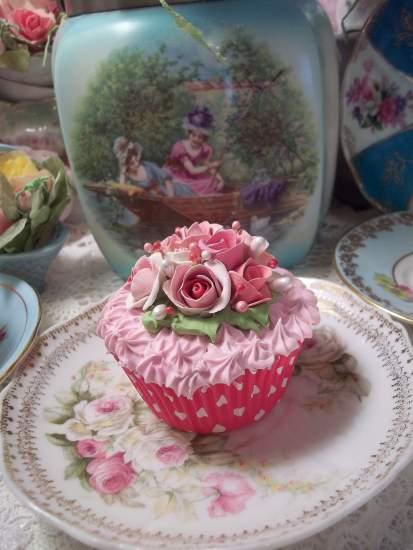 (MinnesotaMarcell) Fake Cupcake