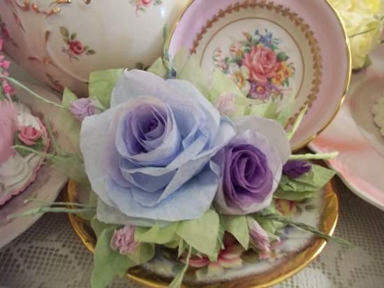 (Korina) Handmade Paper Rose Clip