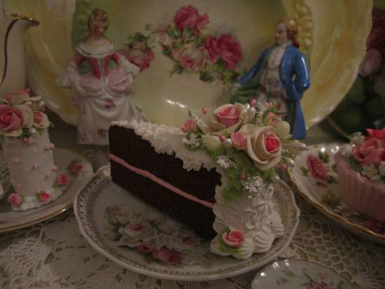 (RosaWhite) Fake Cake