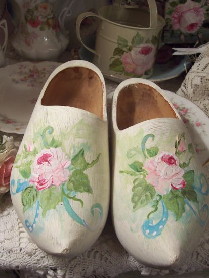 (clogs) Shabby Painted Dutch Wooden Shoes Ladies Size 9