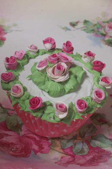 (RingAroundTheRosies) Fake Cupcake