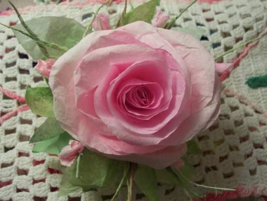 (Simone) Paper Rose Clip