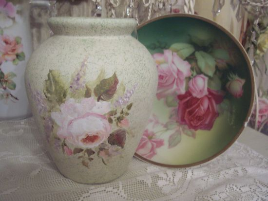 (GREENVASE) Hand Painted Green Rose Vase Lovely!!!!!