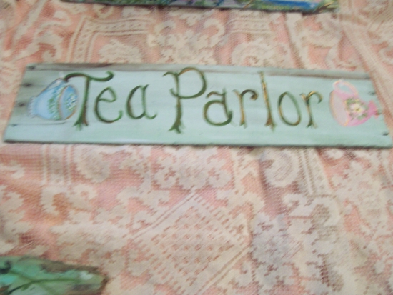 (TeaParlor) HANDPAINTED ROSES SIGN