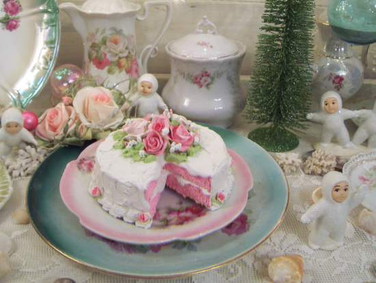 (DoubleDeckerDelightful) Fake Cake