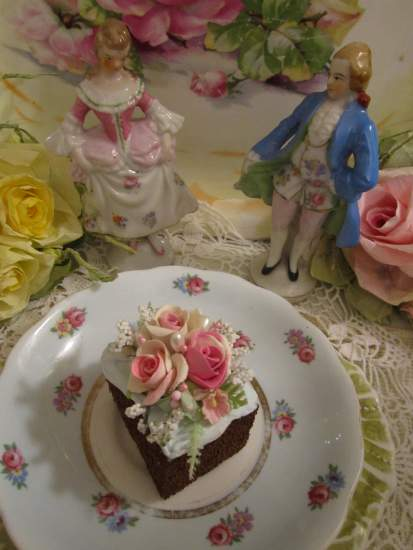 (Melinda) Fake Cake Slice