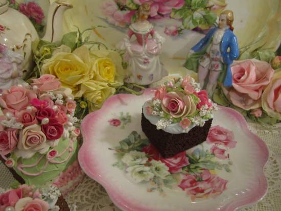 (Rachelle) Fake Cake Slice