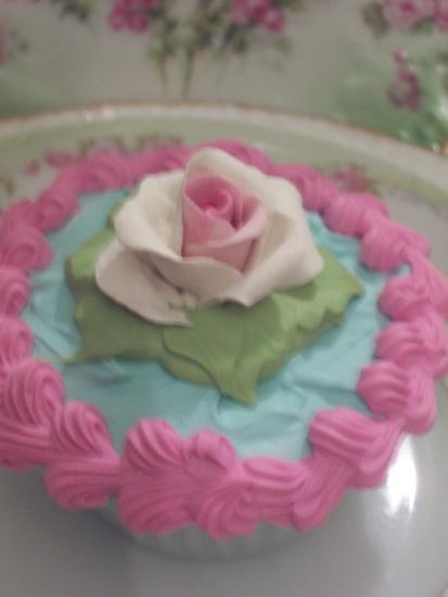 (maryjane) Life Size  Cupcake Fake Food Cottage Decor
